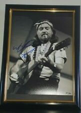 WILLIE NELSON - HAND SIGNED PHOTO WITH COA - FRAMED AUTHENTIC AUTOGRAPHED