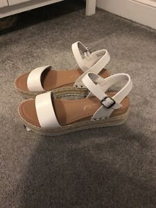 New Look Sandals Size 6 BNWT