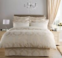Christy Romeo Double Bedspread 250x250cm