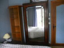 armoire ancienne avec corniére glace biseautée ronce de noyer