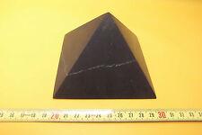 PIRAMIDE IN pietra minerale SHUNGITE OPACA 10 x 10 CM  / SCHUNGIT STONE PYRAMID