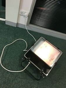 150W SODIUM FEATURE FLOODLIGHT ECONOMICAL WITH BULB. OUTDOOR / GARDEN / SECURITY