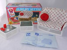 Vintage Pedigree Sindy Doll Luxury Settee Sofa Sofabed Boxed + instructions.