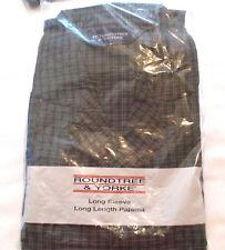 Rountree & Yorke Men's Long Sleeve Ebony-Gray Plaid Pajamas, Size L (NIP)