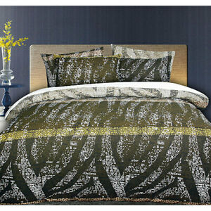 Zig Zag Quilt Cover Set by Accessorize