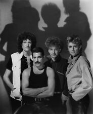 Freddie Mercury, Roger Taylor, John Deacon and Brian May photo - L3033 - Queen