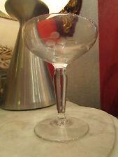 ancienne petite coupe a champagne en verre gravé a decor floral