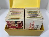 VINTAGE BETTY CROCKER RECIPE CARD LIBRARY YELLOW BOX 1971 VG