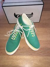 New listing canoos golf shoes Green Canvas size 11