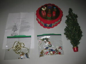 Avon 1996 Christmas Is Coming Rotating Advent Calendar Musical Tree COMPLETE