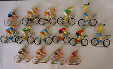 LOT FIGURINES en plastique de 15 coureurs CYCLISTES