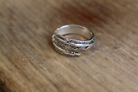 Vintage Style Resizeable Silver Feather Ring