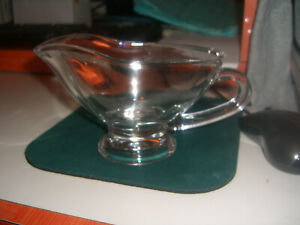 Home essentials  Clear Glass Gravy Boat Sauce Bowl with Handle