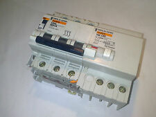MERLIN GERIN C60L MA4A 4 A MAGNETOTERMICO 3 POLO 26359 + VIGI C60 40 A 0,300 A
