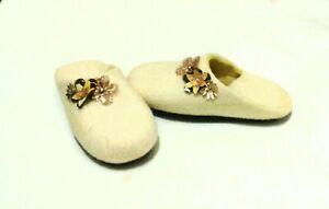 Felt wool slippers Handmade US 7.5 Womens Warm Winter slippers
