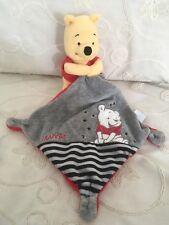 Doudou Peluche Winnie T-shirt Mouchoir Gris Rouge Broderies  Disney Nicotoy