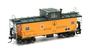 Atlas Master HO Scale Maine Central Cupola Caboose MEC #656