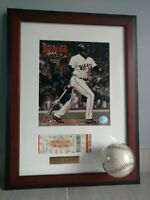 Barry Bonds 700th HR Autographed Baseball Commerative Display Limited 18-25 RARE