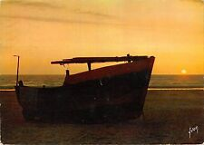 BT6057 Coucher de soleil sur la cote d opale ship bateaux     France