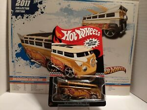 Hot Wheels 2011 Collectors Edition - Volkswagen T1 Drag Bus w/ 9×8 poster- gold