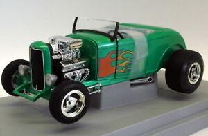 Ertl 1/18 Scale Diecast - 7850 '32 Ford Street Rod Green