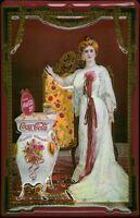 Coca Cola Nostalgique Femme Plaque Bouclier 3D en Relief Étain Signer 20 X 30 CM
