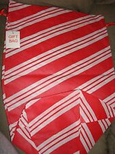 CHRISTMAS GIFT BAGS RED AND WHITE SMALL SIZE