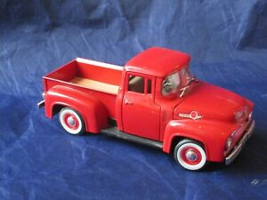 NATIONAL MOTOR MUSEUM MINT FORD 1956 F-100 PICK UP TRUCK 1/32 #32386