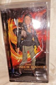 """Barbie in""""The Hunger Games"""". first """"Katniss"""""""