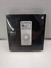SEALED Apple iPod Nano 2GB White 1st Generation (MA004LL/A) A1137