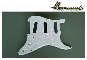 Stratocaster Pickguard, US Bohrungsabstände, White Pearl mit 11 Lochbohrungen