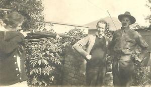 VINTAGE POST WW1 ERA FUNNY UNUSUAL MILITARY RIFLE MOMMA GOT A GUN ANTIQUE PHOTO