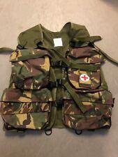 NATO Erste Hilfe Sanitäter Weste Woodland Camouflage First Aid