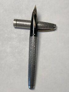 VINTAGE SHEAFFER STERLING SILVER FOUNTAIN PEN - 14k/585 NIB - DIAMOND PATTERN