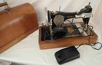 Vintage 1922 Singer Portable Sewing Machine With Bentwood Case and Key Works