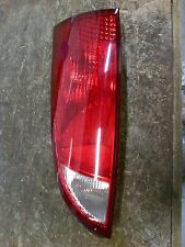 04-07 FORD FOCUS DRIVER LEFT TAIL LIGHT TAILLIGHT LAMP