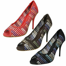 Spot on F1R926 Ladies Heeled Peep Toe Court Shoes Coral or Black (R8A)