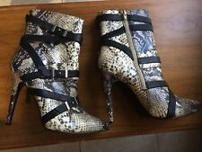 Guess Boots Snakeskin With Leather Straps Silver Buckels Size 9.Pre-owned