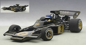Lotus 72E 1973 Ronnie Peterson con pilota/with driver 1:18 AUTOART 87330