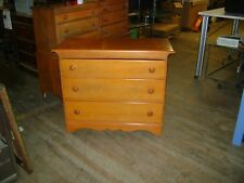 MID CENTURY 1900S ROCK MAPLE CHEST OF 3 DRAWERS / DRESSER
