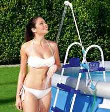 Doccia solare Bestway Pool+ per piscine si fissa sulla scaletta