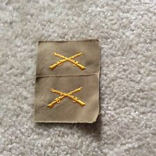 Original WW2> INFANTRY Ofc. Insignia (Embroidered Yellow on Khaki cloth / Pair)