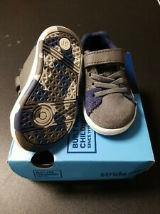 Stride Rite size 4 wide Baby boy Shoes