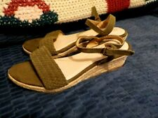 "NEW Ladies Sandals by Lands End, Size 6.5B, Green Strappy,2"" Wedge Heel,Shoes"
