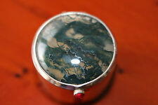 VINTAGE SOLID SILVER AND AGATE PILL BOX BIRMINGHAM 1911