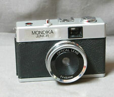 19- CÁMARA DE FOTOS COLOR PLATA:MONDIKA JUNIOR ZOOM 45mm FABRICADO EN HONG KONG