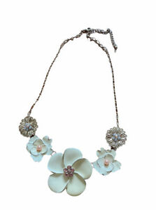 Flower Detailing Statement Necklace