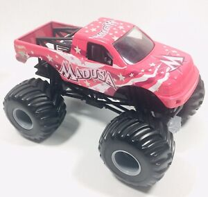 Hot Wheels Monster Jam Madusa - Pink 1:24 Monster Truck Mattel