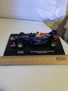 Burago 1/32 2011 Infiniti Red Bull F1 Racing Team DB9 Sebastian Vettel