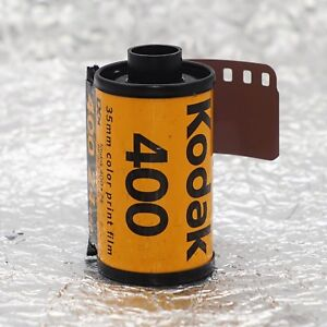 *NEW* Kodak Ultramax 400 35mm (24 exposures) film (1/2022)